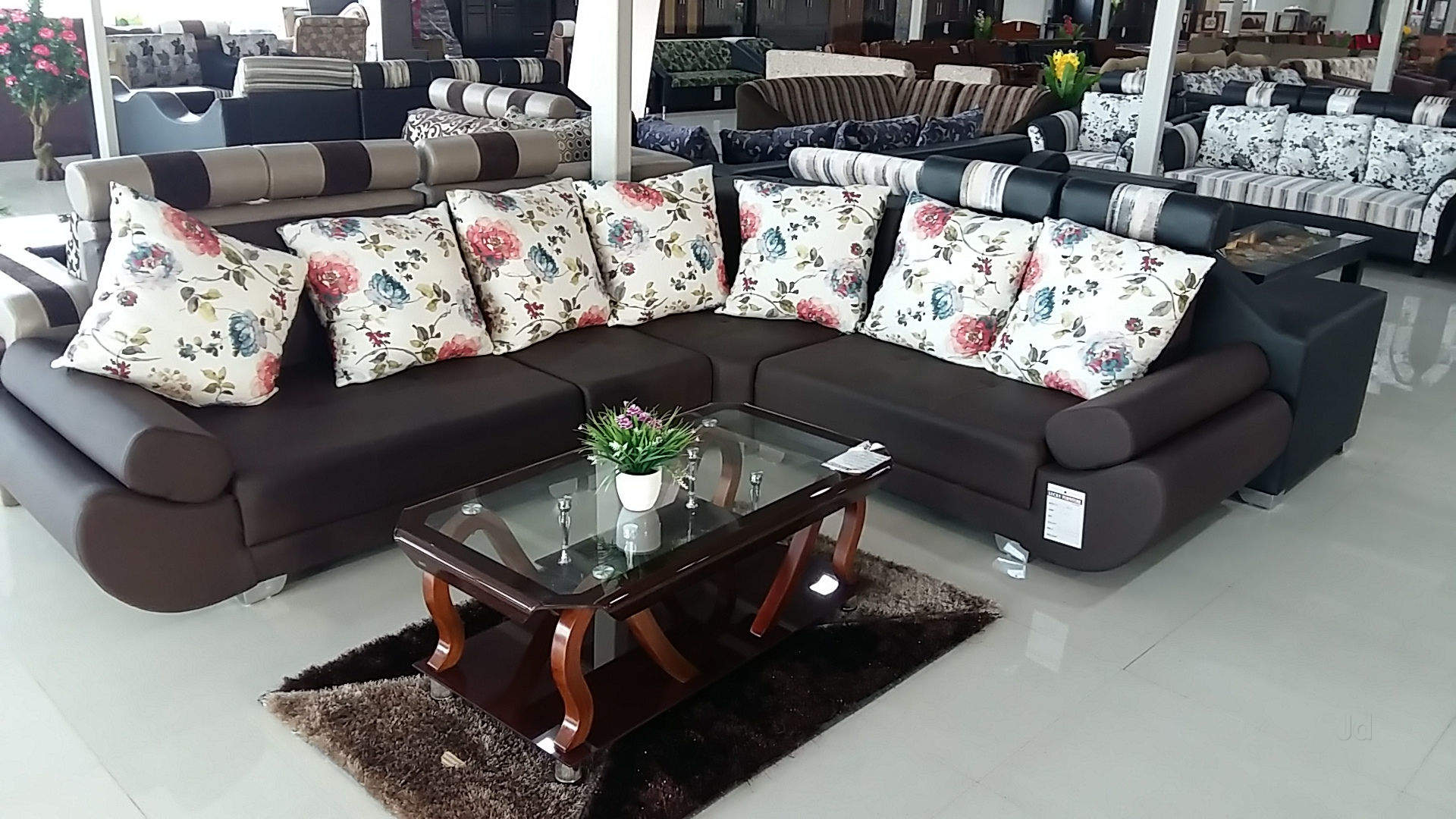 Lucky Funriture Mall - Customized Furniture Manufacturer in Kolhapur